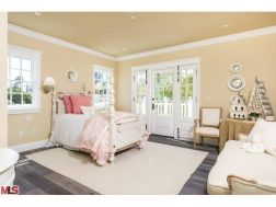 Pink bedroom